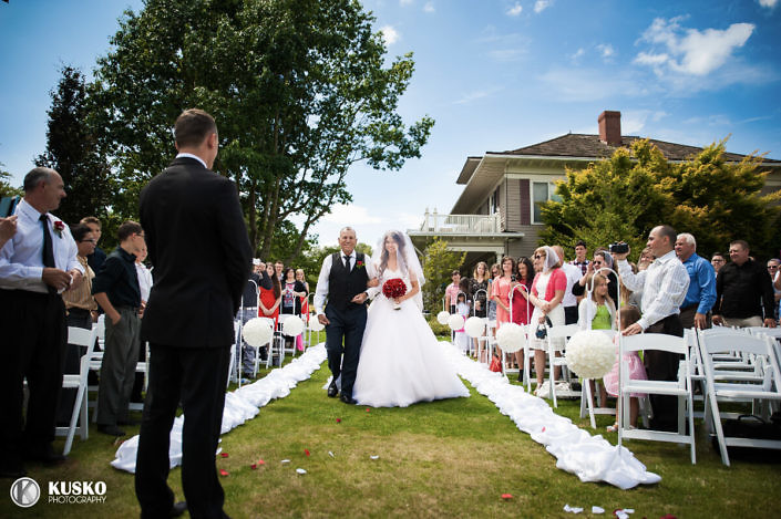 maplehurst-farm-seattle-wedding-venue