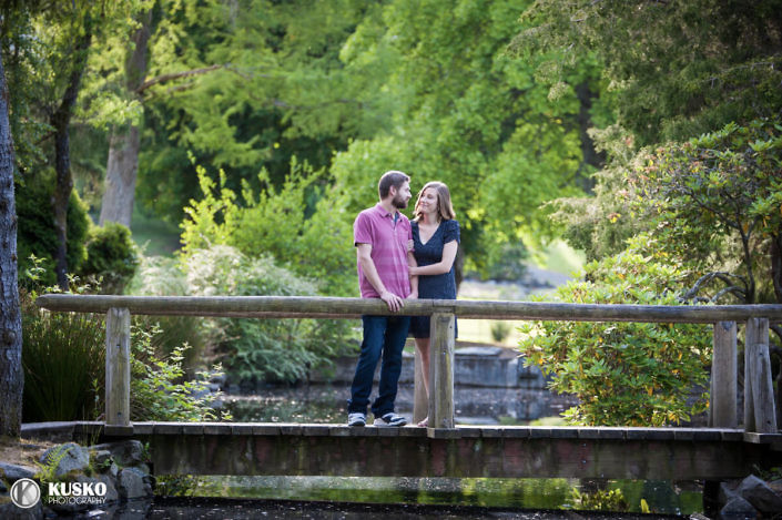 point-defiance-engaged-couple